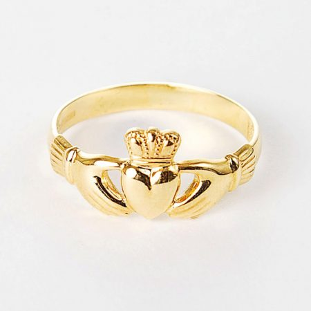 gold-claddagh-ring