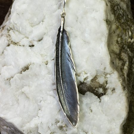 grey-heron-feather-pendant-grey-finish_SJ