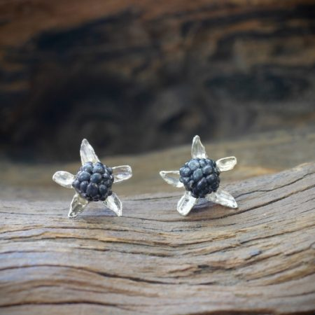 lough-hyne-blackberry-earrings-silver-black_SJ